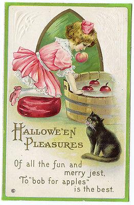 Cat Girl For Halloween (Halloween Girl Bobbing for Apples Black)