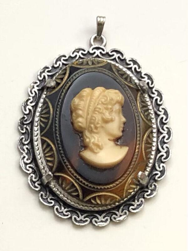 Vintage  Lady cameo Pendant