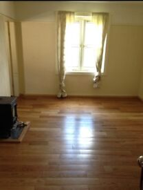 Unfurnished spacious 1 bedroom flat to rent in Dunblane.