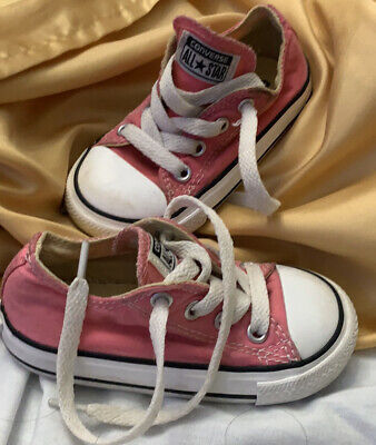 Toddler Girl's Chuck Taylor Converse Shoes Low Cut - Size 8c / Pink