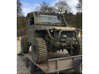 Land Rover defender 90 off-roader trayback