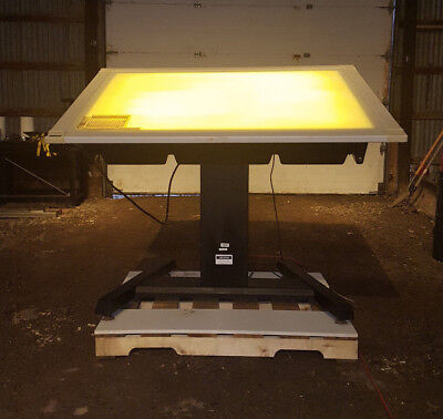 Calcomp Digitizer Tablet 9500 With Adjustable Tilt Side Light-up Table