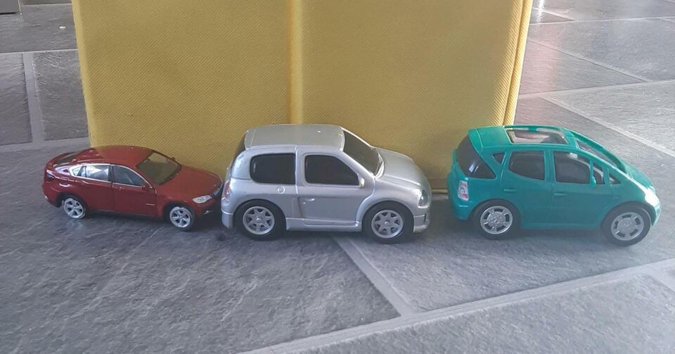 Spielzeugautos 3 tlg in Niedersachsen - Lingen (Ems)