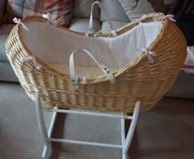 Clair de Lune Natural Wicker Noah Pod Moses Basket with White Rocking Stand