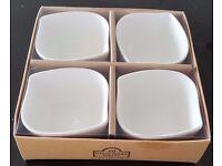 4 porcelain bowls