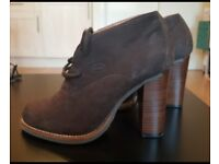 Schuh boots size 5