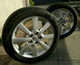 Toyota Avensis 08 Pair of alloy wheels fitted with snow tyres