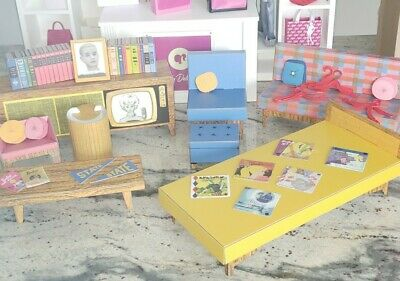 Barbie 75th anniversary Dream House 1962 Repro 2020 house furniture only platinu