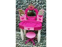 *** Little ladies light up musical dressing table and stool