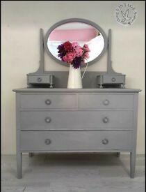 Drawers with mirror