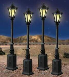LIONEL-6-24156-LIONELVILLE-STREET-LAMPS-O-GAUGE-4-Box