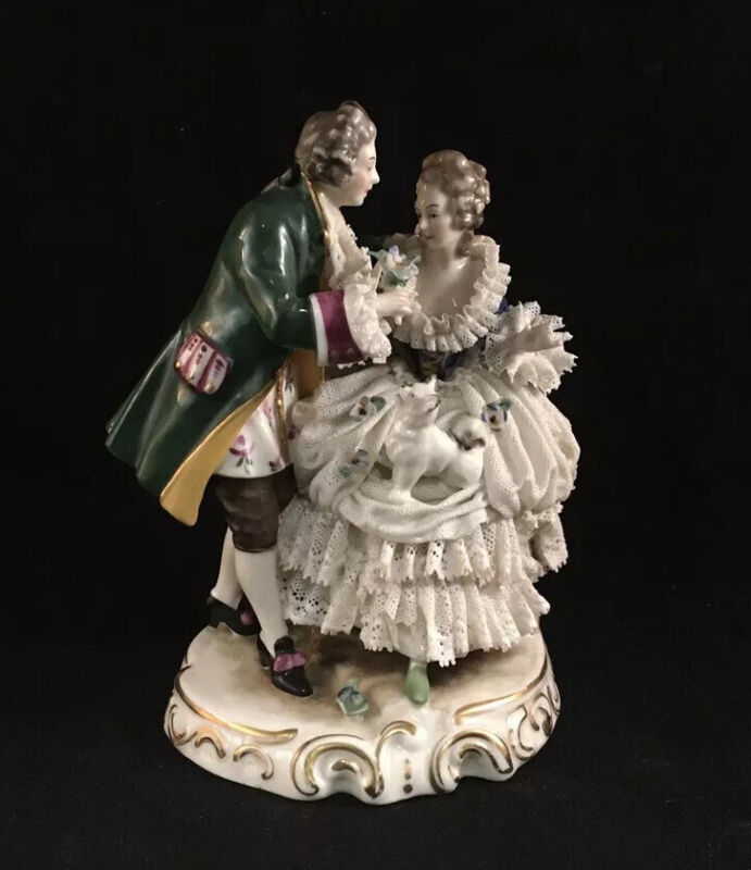 VINTAGE FRANZ WITTER DRESDEN ART PORCELAIN LACE FIGURE GROUP COURTING FIGURINE