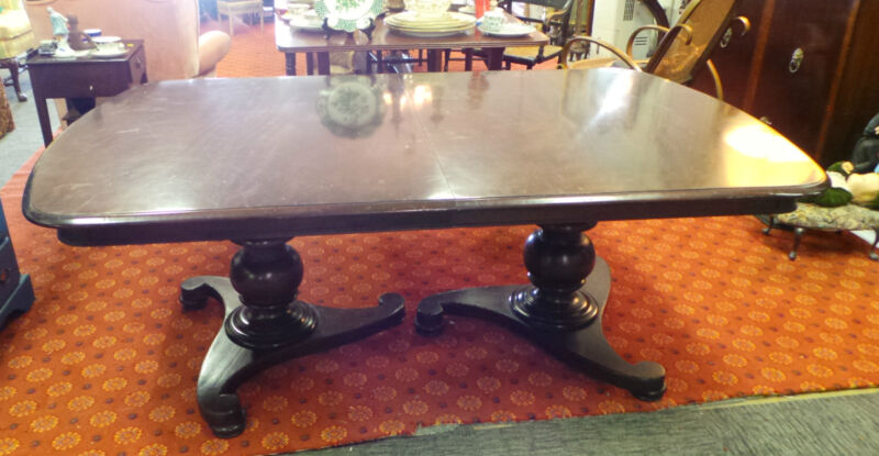 ANTIQUE ORIGINAL BAKER FURNITURE MILLING ROAD  MAHOGANY DINING ROOM TABLE