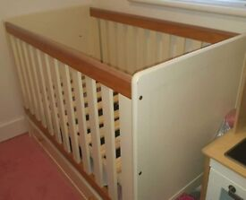 Cot & Chest of Drawers For Sale Mamas & Papas