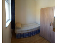 NEW SINGLE ROOM WITH ENSUITE TO LET / RENT OPPOSITE LEYTONSTONE STATION E11