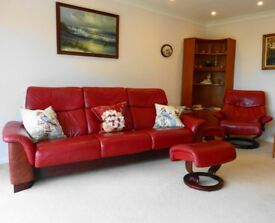 Stress-less Suite Dark Cherry Excellent Condition
