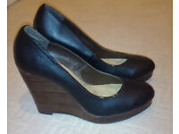 BRAND NEW GORGEOUS NEW LOOK HEELS size 6 - £10 (RRP: £35.99)
