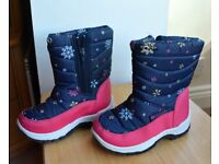 Girls Snow Boots Size 9