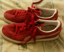 Red Puma Suede UK10