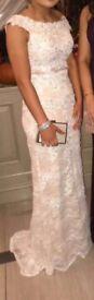 Stunning formal dress size 4.