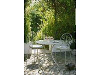 Heart of House Jasmin 2 Seater Bistro With Cushions. (Brand new)