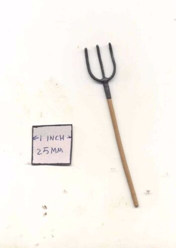 PITCH FORK - 1/12 scale dollhouse metal miniature  ISL0222
