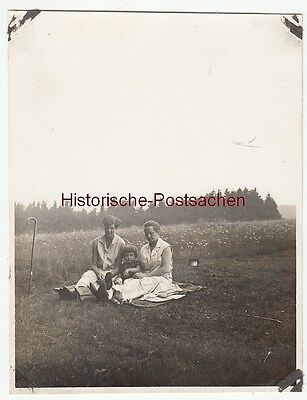 (F12698) Orig. Foto Gehlberg / Thür. 1930, Personen a. Wiese a. Waldesrand, Wand