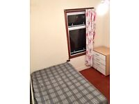 Single room available 5mins by walk to Forest gate Station on TFL.