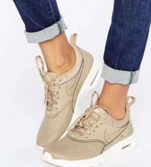 Nike Desert Camo Thea Sneakers WOMENS SIZE 7.5 CLEAN