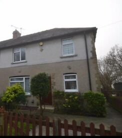 IMMACULATE 3 BED SEMI - LARGE GARDEN - REFURBISHED- ALL NEW CARPETS THROUGHOUT-- NEW COOKER AND HOB