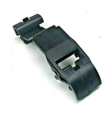 BMW  318i,325i,328i, 318ti M3 Z3 E36 upper radiator retainer clip 17111723341
