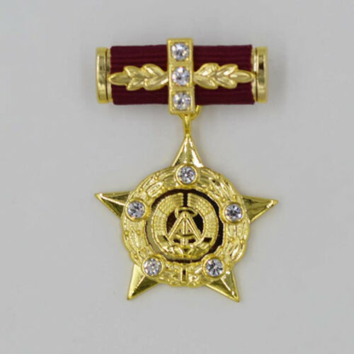 Hero of the GDR East Germany German DDR GDR Medal Order Badge Order ww12