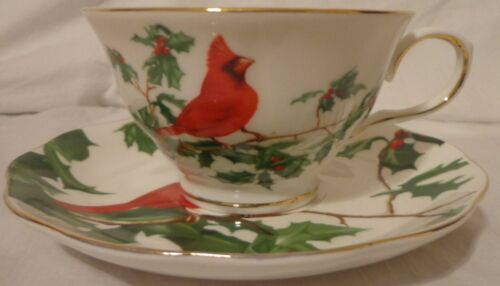 CHRISTMAS CUP SAUCER SET RED CARDINAL BIRD HOLLY COFFEE TEA TEACUP GRACIE CHINA