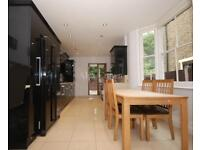 4 bedroom house in Bramber Road, Finchley