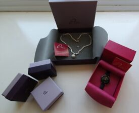 Collection of Pia Jewellery. All brand new in box.
