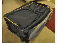 Northern Diver drysuit scuba diving bag/suitcase with wheels and rucksack straps