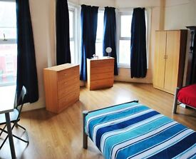 &* Twin Room! Special Price Until 1St Sep ~ OFFER ~ Living room ~ Garden ~