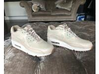 Nike Air Max 90 NEW size 3 Pink