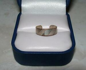 SILVER PLATED TOE RING SIZE 4 London Ontario image 1