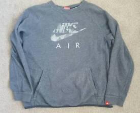 Nike jumper age 12-13