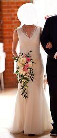 Ivory Vera Wang Wedding Dress ~ Vintage Style, V-Neck, A-Line, Size 8