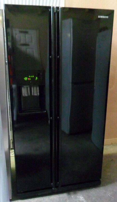 Samsung American Freezer Part - 38: Shiny Black, A Class SAMSUNG American Frost Free Fridge Freezer With Water  Dispenser+Ice