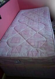 Single bed with sliding drawer and mattress
