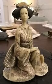 Beautiful Chinese style resin figurine Geisha