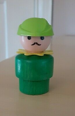 Vintage Fisher Price little people wood green woodsman Robin Hood - Castle 993
