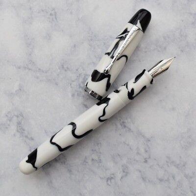 Noodlers Neponset Bald Faced Hornet Acrylic Fountain Pen Flex Music Nib