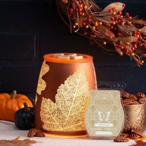 Scentsy's October warmer and scent of the month!