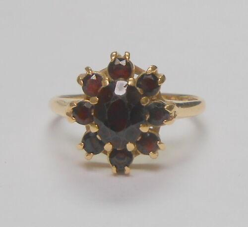 Lovely Vintage Estate 14K Yellow Gold Garnet Cluster Ladies Ring Size 7