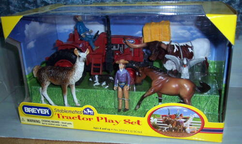 BREYER  STABLEMATES TRACTOR PLAY SET (NEW IN BOX)