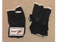 Inner fingerless boxing gloves